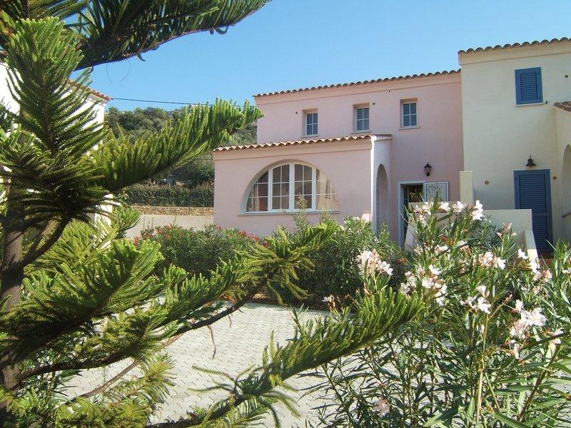 Beautiful house with terrace & Wifi, holiday rental in Santa Reparata di Balagna