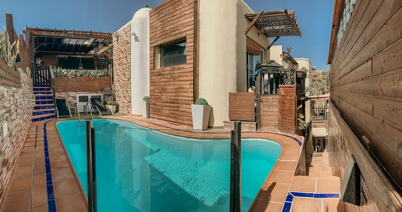Apartment with swimming-pool, location de vacances à San Agustin