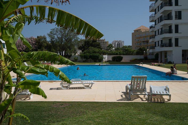 Gladdy White Apartment, Vilamoura, Algarve, vacation rental in Vilamoura