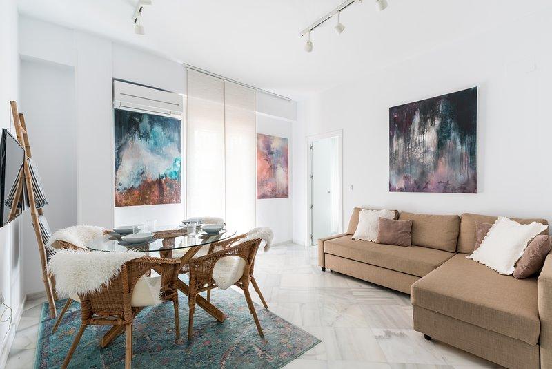 Asunción 70. 2 bedrooms, 2 bathrooms, holiday rental in Los Palacios y Villafranca