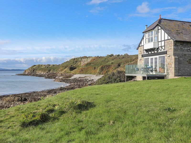 THE OLD LIFEBOAT HOUSE, 3 Bedroom(s), Penmon, location de vacances à Penmon