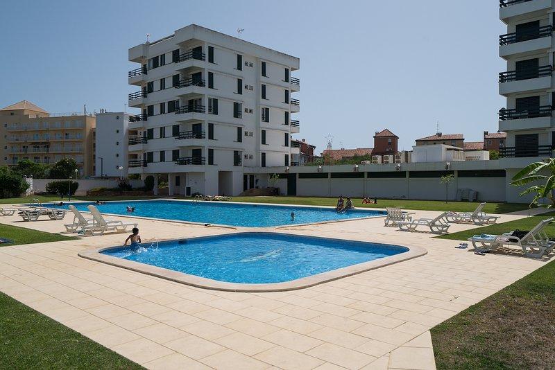 Gladdy Red Studio, Vilamoura, Algarve, vacation rental in Vilamoura