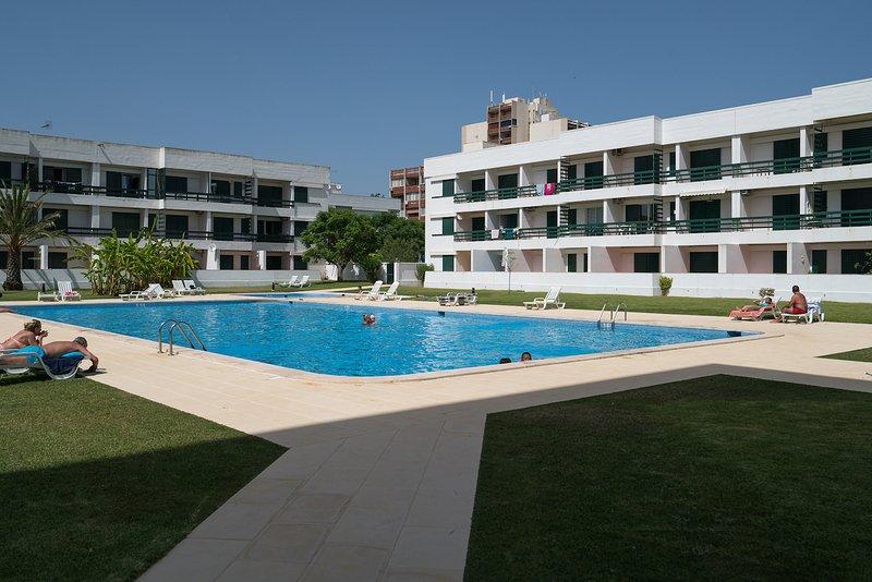 Gladdy Blue Studio, Vilamoura, Algarve, vacation rental in Vilamoura