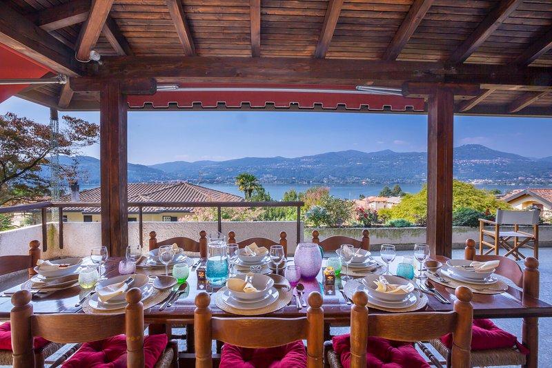 Villa Gianna Piscina Su Ranco, vacation rental in Angera