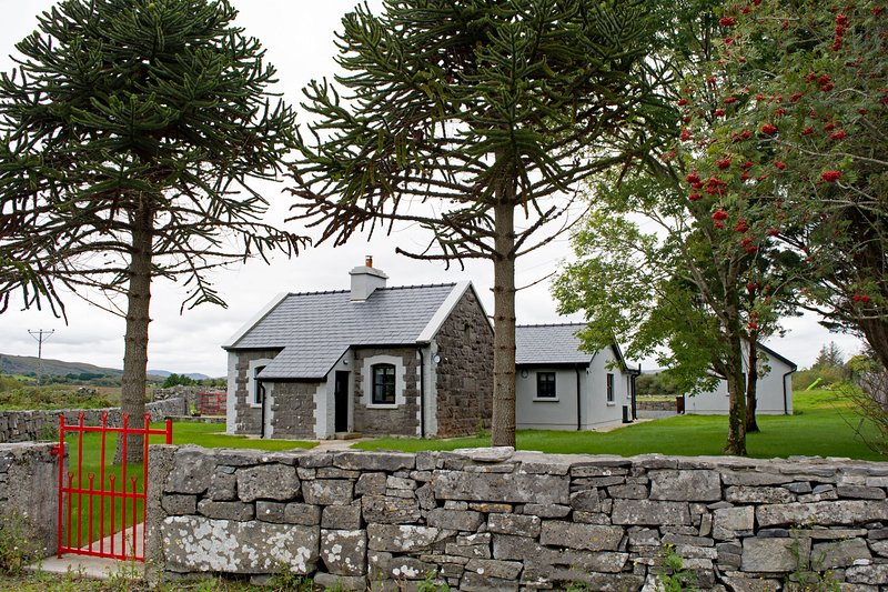 Cottage 345 - Oughterard - Cottage 345 - Oughterard, casa vacanza a Maam Cross