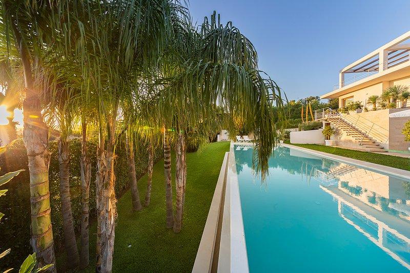 Attaláya con piscina e giardino, holiday rental in Lenzevacche