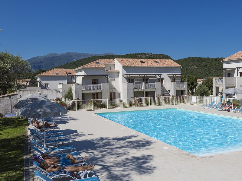 Summer apartment in the hilly landscape of Oletta, holiday rental in Saint Florent
