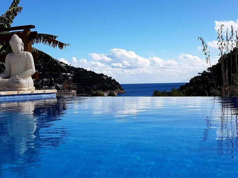 Beautiful villa in Cala de Sant Vicent,Ibiza, with swimming pool, holiday rental in Sant Joan de Labritja