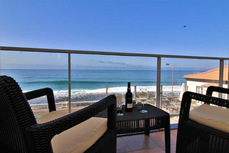Charming Apartment On The Beach, holiday rental in Paul do Mar