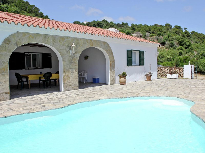 Luxurious Mansion in Es Mercadal with Private Pool, vacation rental in Mercadal