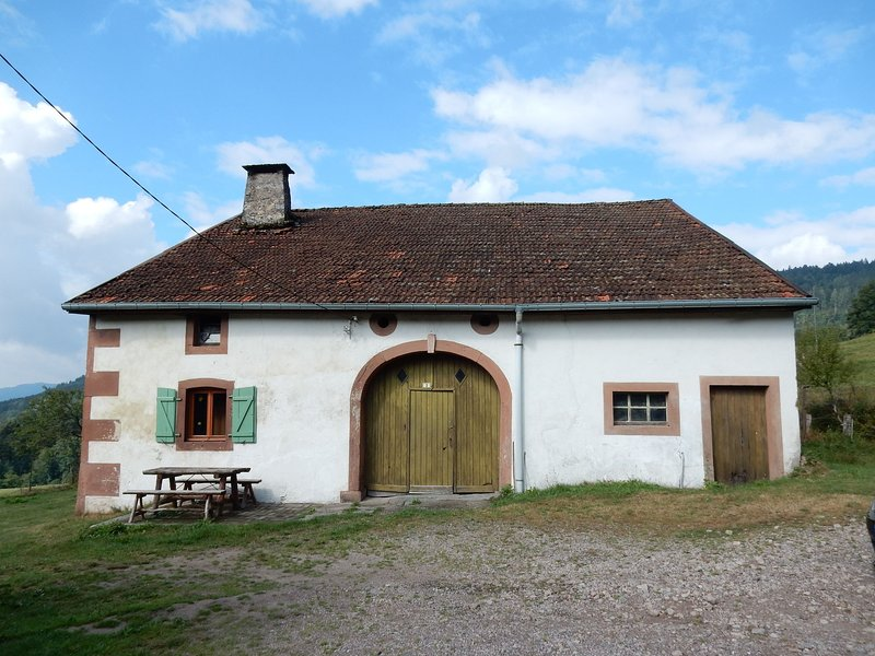 house perfect for hikers, 10 miles from Gerardmer, location de vacances à Rochesson