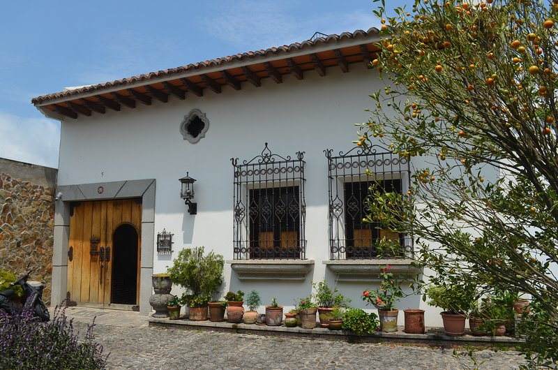 Charming Colonial House, alquiler de vacaciones en Chimaltenango Department
