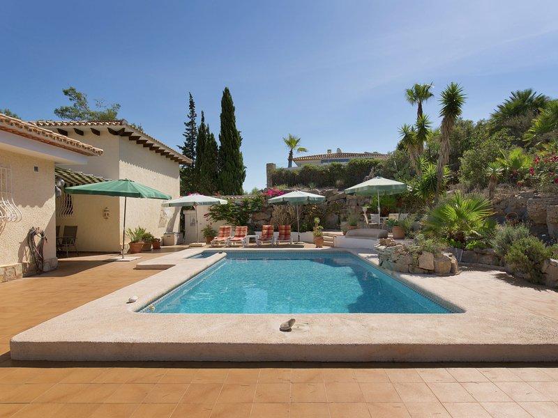 Beautiful Villa in Pedreguer Valencia with Swimming Pool, vacation rental in Muntanya la Sella