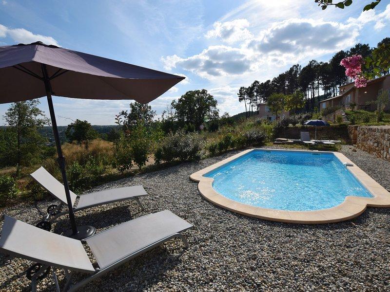 Impressive Villa With Hill View in Joyeuse France, location de vacances à Joyeuse