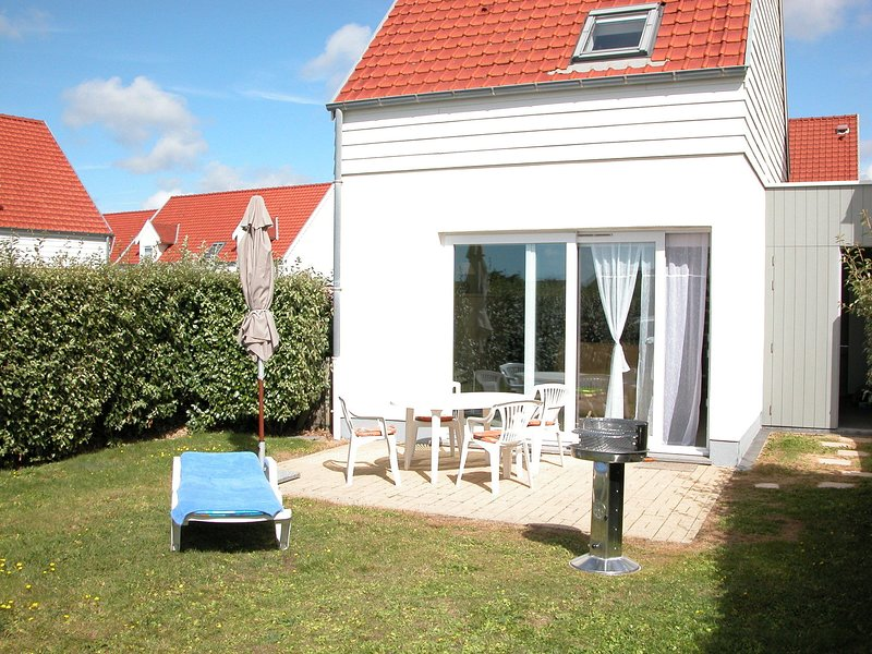 Warm Holiday Home in Wimereux North France with Garden, alquiler de vacaciones en Wimereux