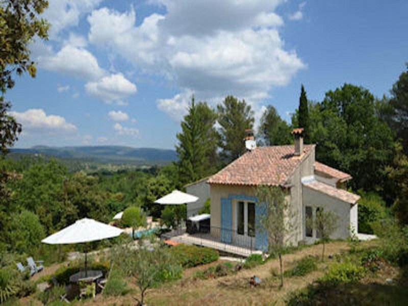 Attractive holiday home with private pool, stunning views, surrounded by nature!, holiday rental in Signes