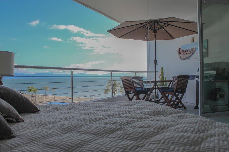 Walk Out to Ocean - Beach Front Studio, alquiler de vacaciones en Flamingos
