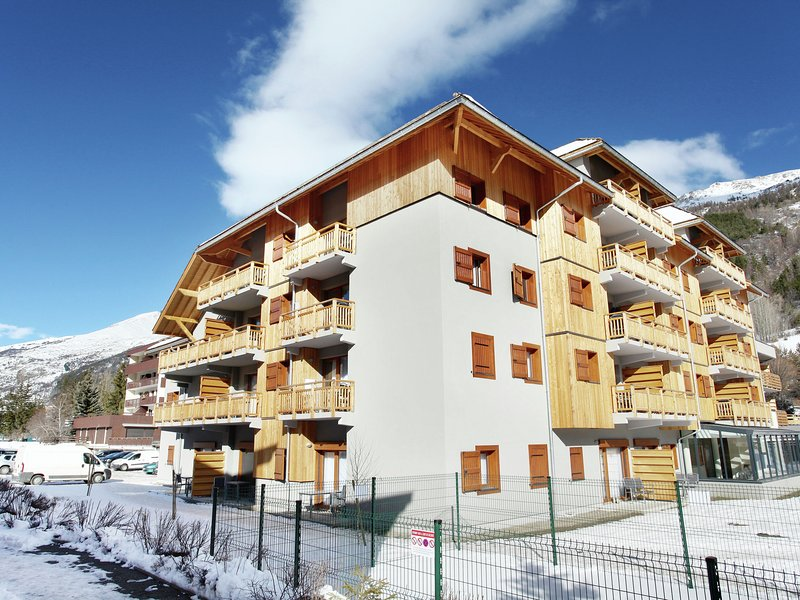 Modern apartment in a ski area known for its sunshine, location de vacances à La Salle les Alpes