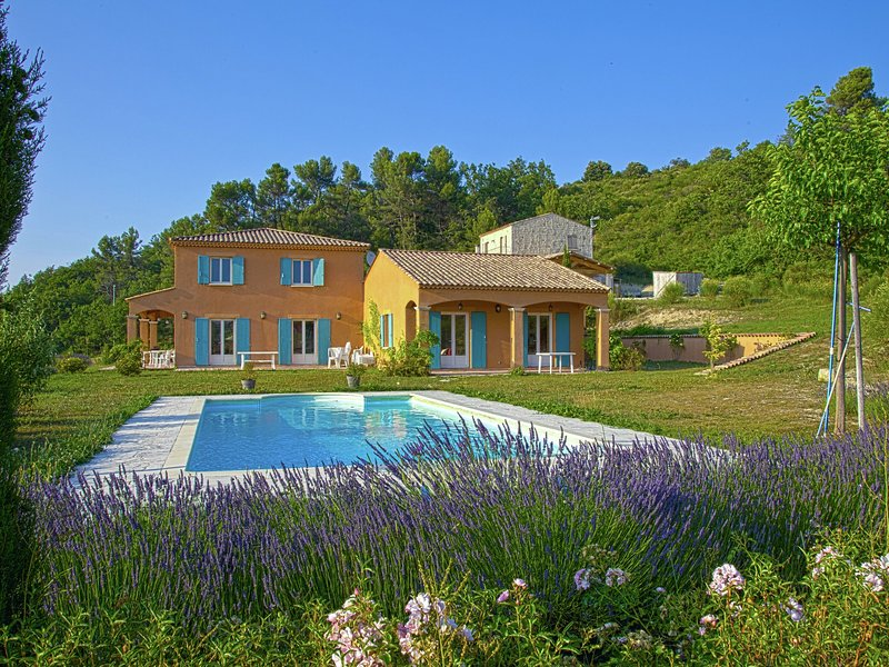 Spacious family villa with private pool and views over the rolling countryside, vacation rental in Limans