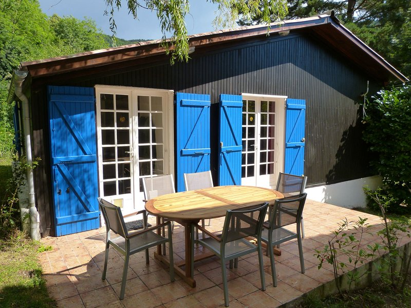 Chalet with garden in the Pyrenees, holiday rental in Bessede-de-Sault