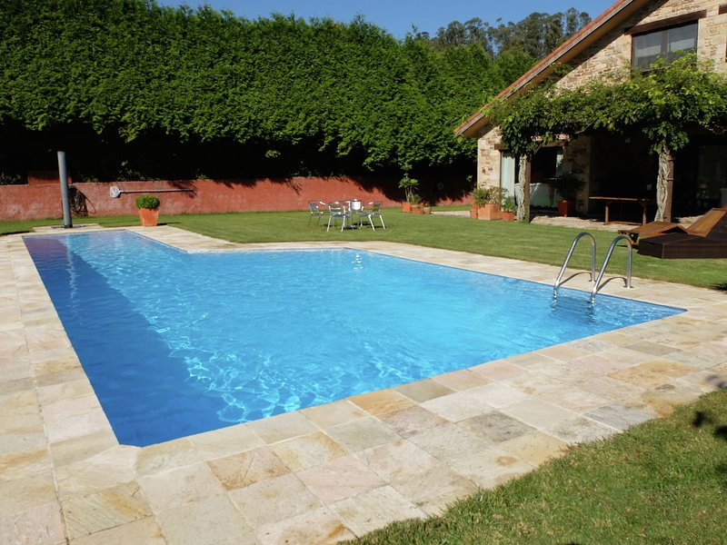 Cozy Holiday Home in Costoia with Private Pool, holiday rental in Cabanas