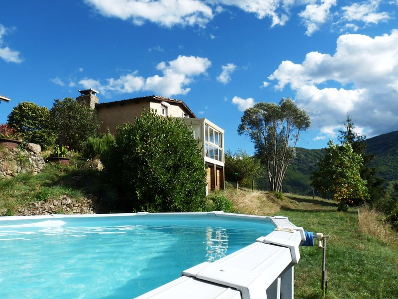 Detached holiday home (120 m2) in a beautiful location, with breathtaking view, holiday rental in Saint-Prix