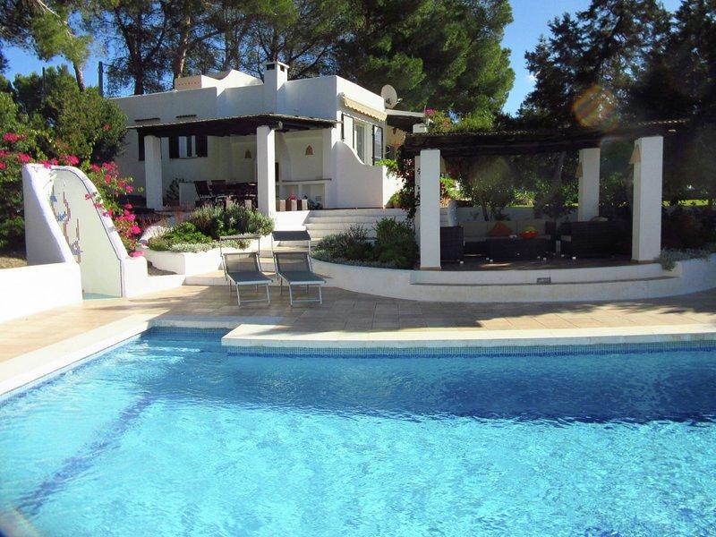 Gorgeous Holiday Home in St Josep de sa Talaia Ibiza with Pool, holiday rental in Sant Josep de Sa Talaia