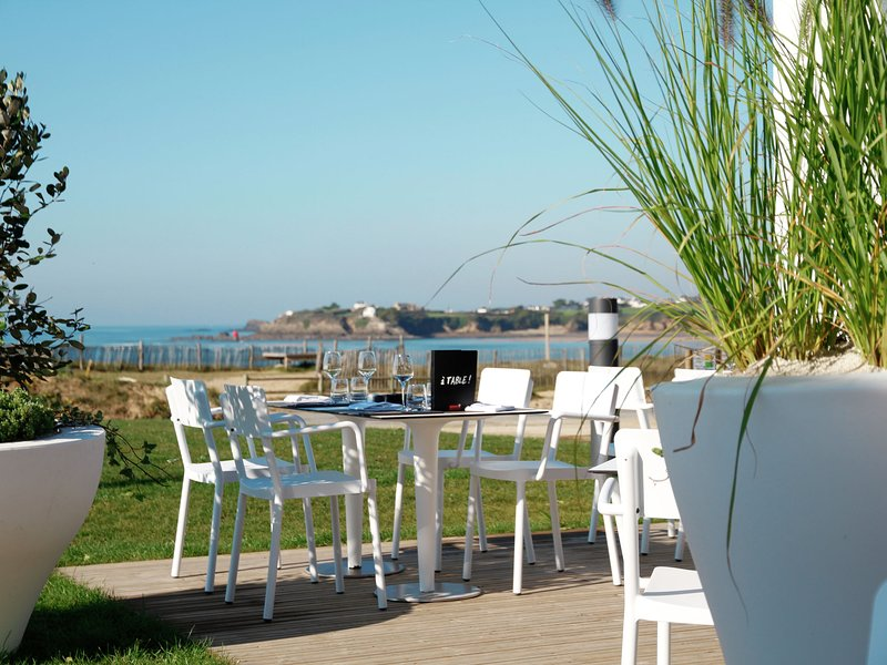 Nice, well-kept apartment at 100 m. from the beach of Guidel, location de vacances à Le Pouldu