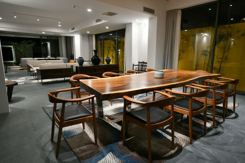 Indoor Dining for 12 people