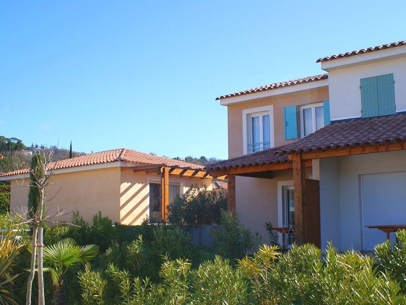 Beautiful house with AC, located between inland and sea, vacation rental in Montauroux