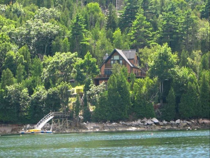 Fjord Home -- Secluded, Elegant Oceanfront Retreat, holiday rental in Mount Desert Island