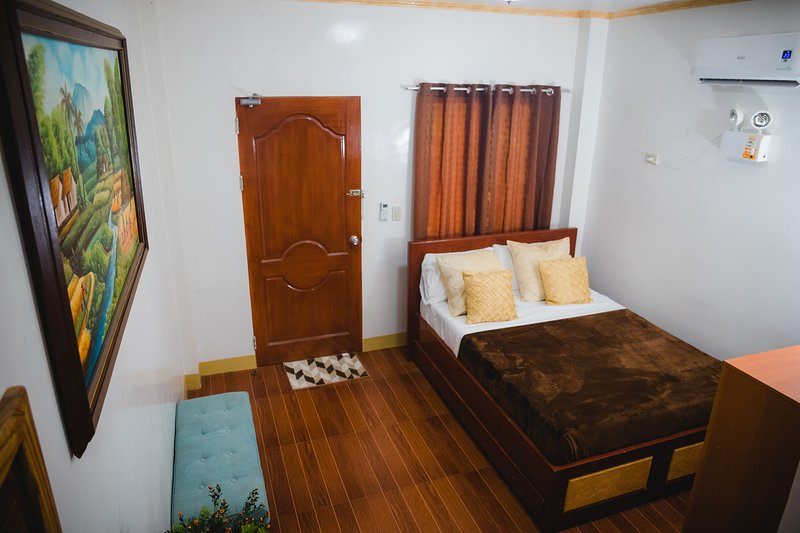 Cozy Studio Room Apartelle, Guesthouse, House for Rent in Dipolog City, vacation rental in Misamis Occidental Province