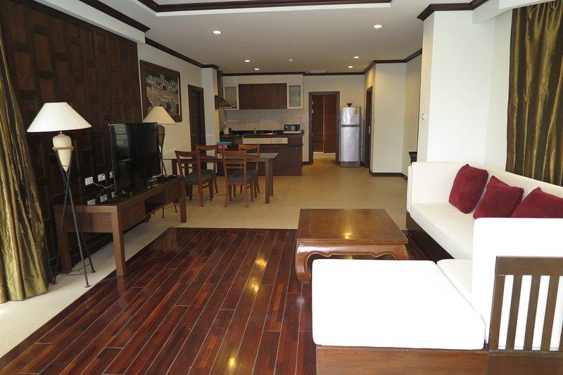Lounge i matsal och kök