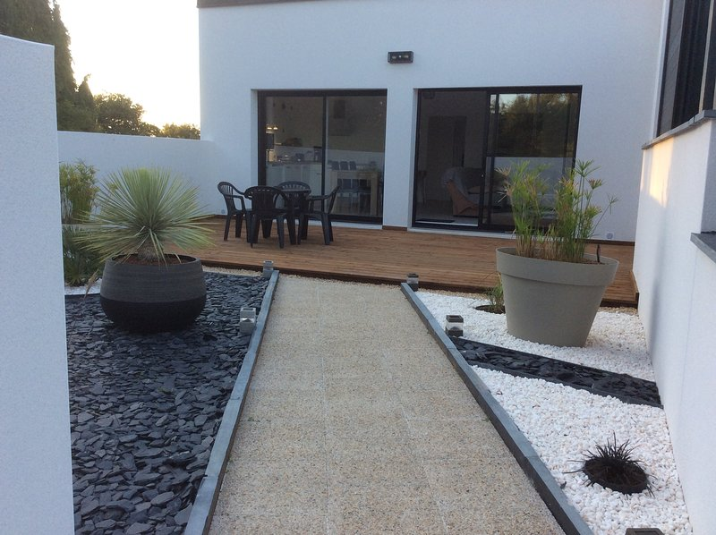 Maison contemporaine, holiday rental in Queven