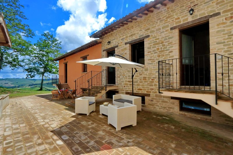 Borgo ai Pini - Villa ai Pini, holiday rental in San Severino Marche