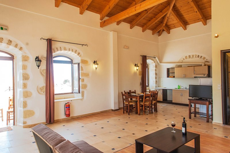 Ιndependent stone appartment, holiday rental in Vamos