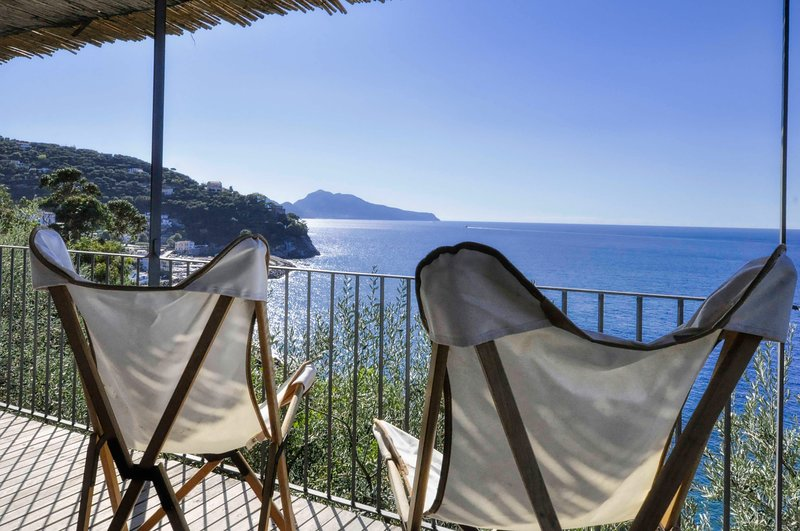 Casa Leyla on the sea, alquiler vacacional en Massa Lubrense