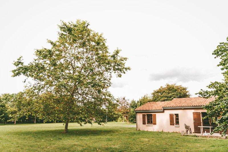 Location Villas jusqu'à 6 personnes avec accès Base de Loisirs, location de vacances à Noizé