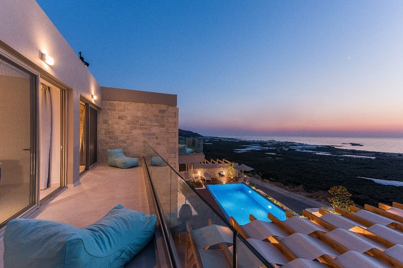 Luxury villa with amazing sea view, heated pool, vacation rental in Kavousi