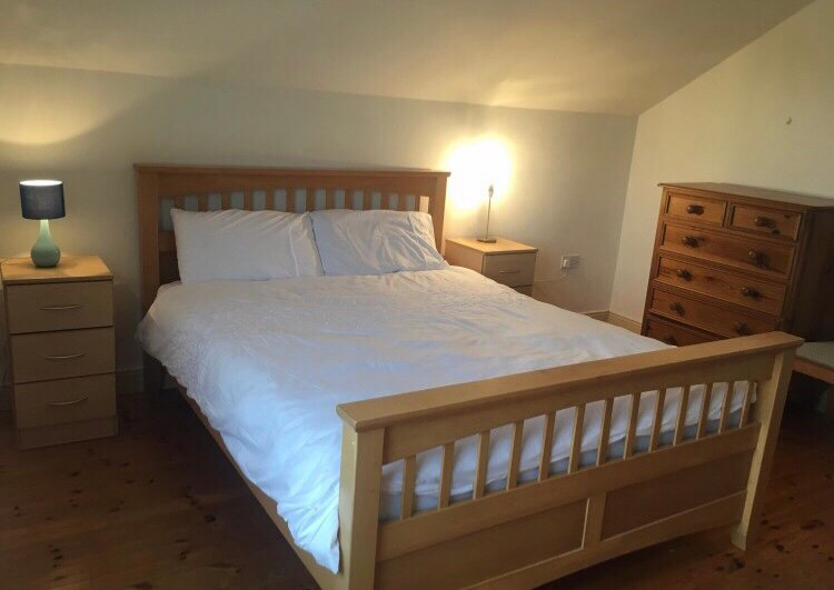 Spacious 1 bed apartment in City Center, holiday rental in Galway
