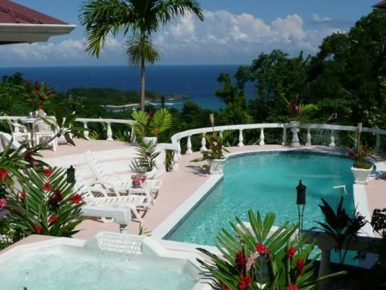 Private 4 bd/4 bath. 14 days or longer 30% discount   Mountain, Ocean-view!!!!, holiday rental in Port Antonio