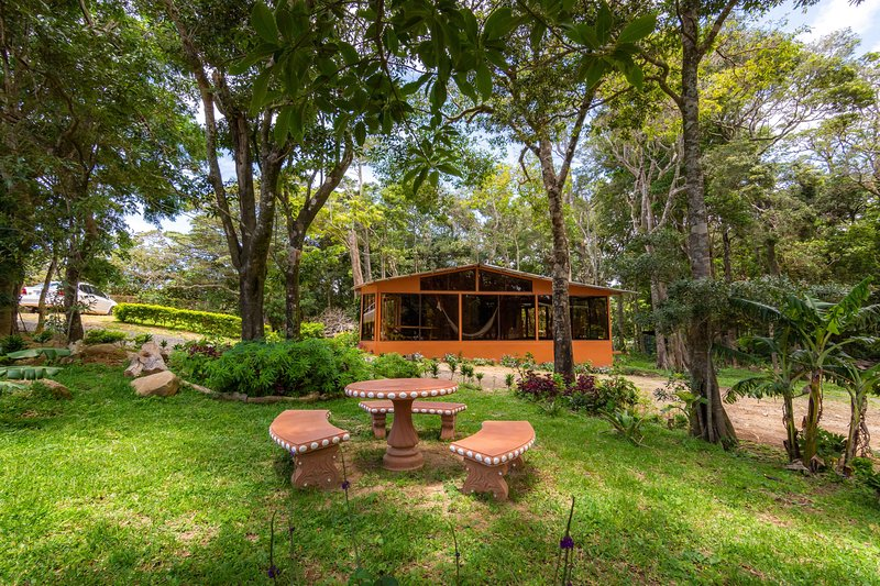 Cloud Forest Bungalow ( Fully Equipped), holiday rental in Santa Elena
