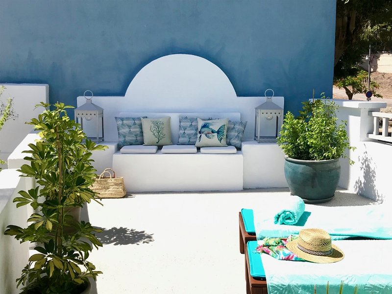 Exclusiva Casa Costera con Magnífica Terraza  y  wifi a 1 minuto de la playa., holiday rental in Taganana