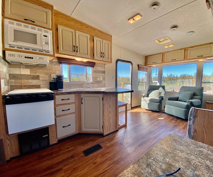 Wine Country RV ~ Across from Paschal Winery ~ Minutes to Ashland, location de vacances à Medford