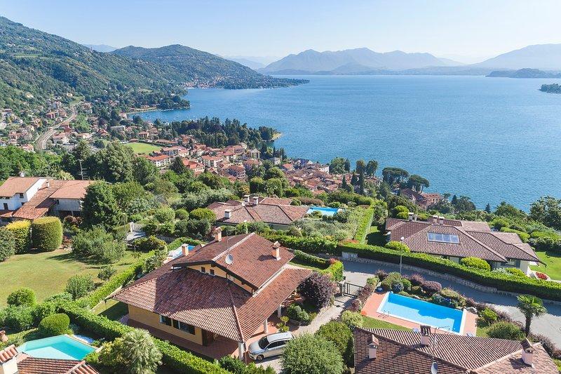 Lake Maggiore Villa with Pool and Walking Distance to Village - Villa Maggiore, holiday rental in Gattico