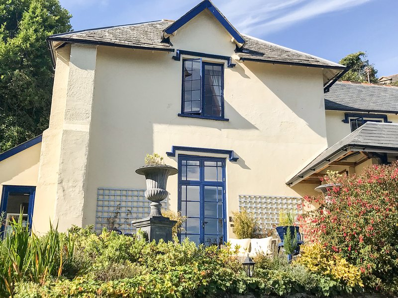 BARONET'S QUARTERS, WiFi, En-suites, Off-road parking, Lynton, holiday rental in Barbrook