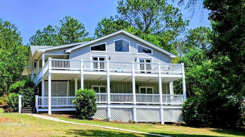 Hermosa casa acogedora en el lago !!