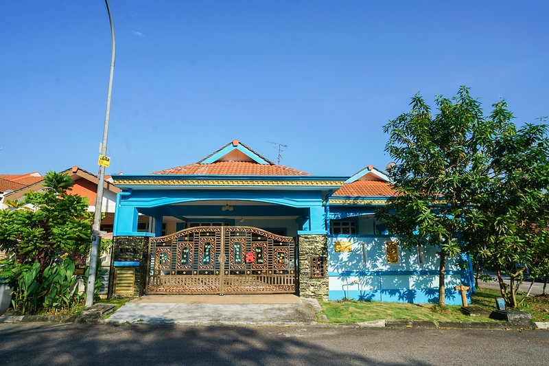 D'Orkid Homestay - Corner spacious single story house, 4 bedroom, 2 bathroom, Ferienwohnung in Senai
