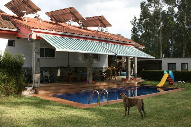 Amazing villa with swimming-pool, casa vacanza a Salvaterra de Mino