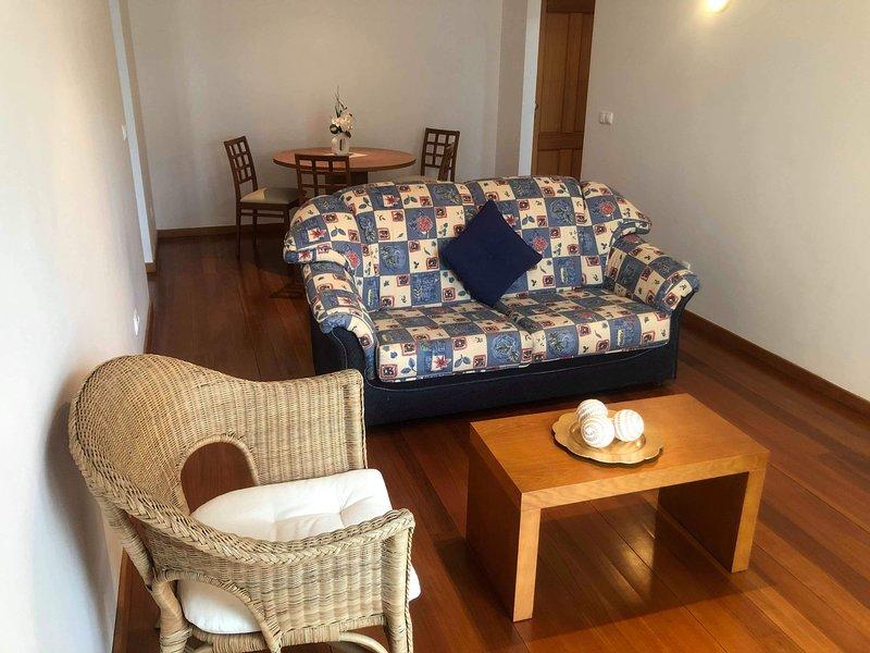 Nice apartment with sea view & Wifi, casa vacanza a Santo Antonio da Serra